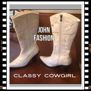 Shoes - CLASSY BLING BLING COWGIRL BOOTS